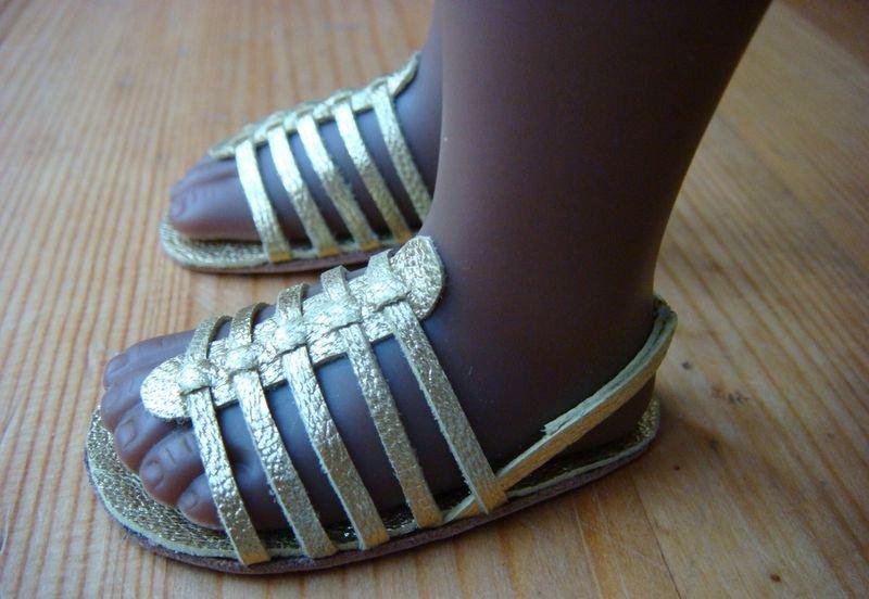 Делаем обувь для куклы