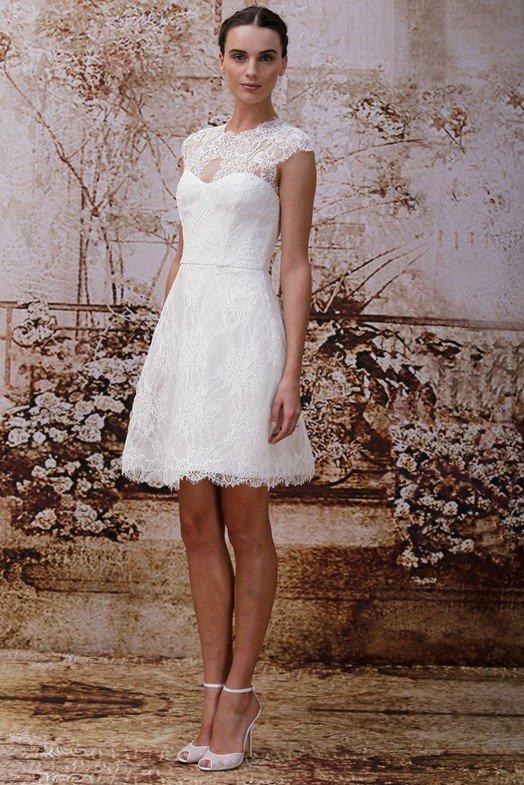 Известная певица Бритни Спирс выходила замуж в платье от Monique Lhuillier. Если у вас намечается свадьба, и вам приглянулись платья от Моник Люлье