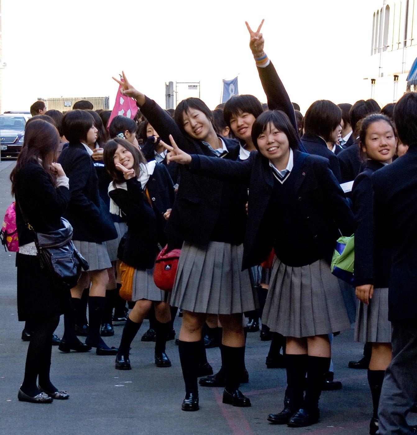 Фото голых учениц как их имеют 21 фотография