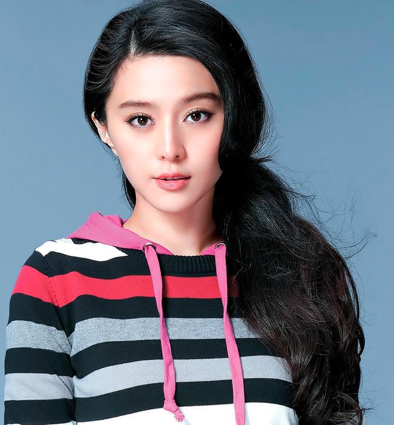 Прекрасная китаянка принимает душ 14 фотография