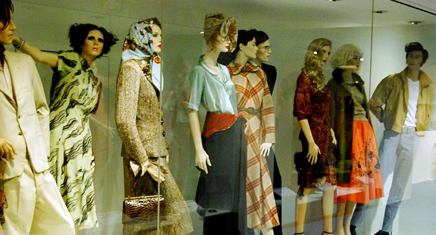 11 самых необычных специальностей в мире моды. Живые манекены